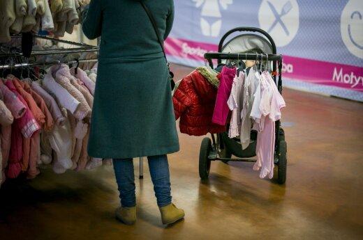 Naudotą vaiko vežimėlį pardavusiai mamai – finansinis kirtis