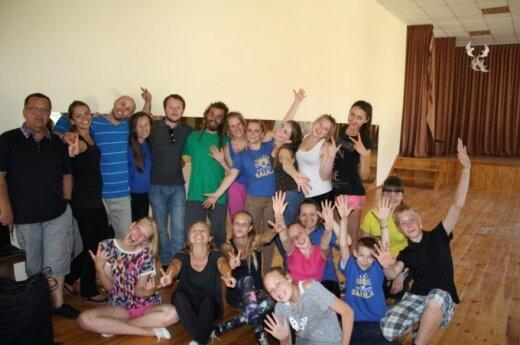 Jaunuosius aktorius suvienijo pajūrio stovykla