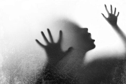 Пьяный мужчина избил свою сожительницу
