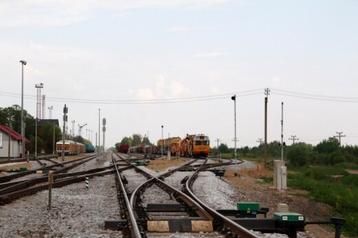 Lithuania considers giving aid to Ukraine's railway transport
