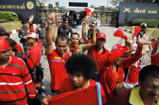 Protestuojantys buvusio Tailando premjero Thaksin Shinawatra rėmėjai