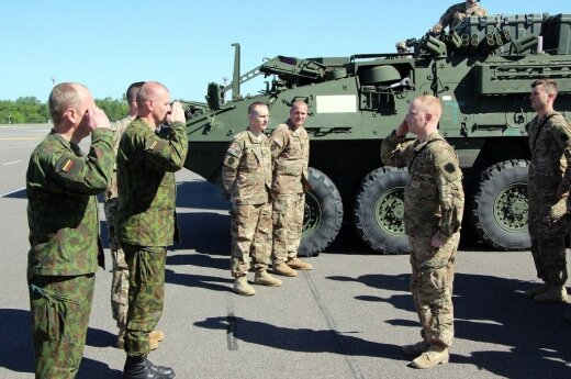 Lithuanian and American soldiers start training in Pabradė