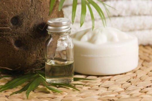 Kokosų aliejus - panaudojamas ir vonioje, ir virtuvėje