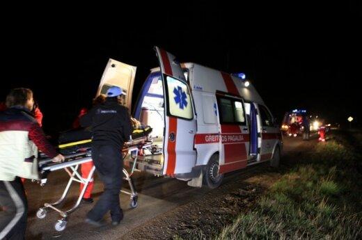 В Вильнюсе ехавший против движения VW Caravelle врезался в Audi