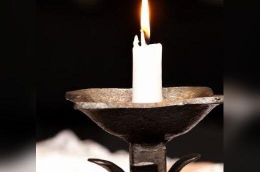 Žvakės, liūdesys, gedulas, laidotuvės