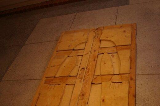 Akmeniniai skulptoriaus A. Ališankos drabužiai