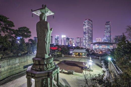 Prekybos apyvarta tarp Pietų bei Šiaurės Korėjos pernai smuko daugiau nei aštuonis kartus