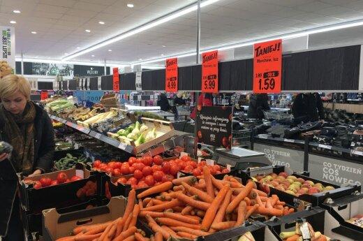"""Pasidalijo įspūdžiais iš Lenkijos parduotuvių: tas pats """"š..."""", tik daug pigiau"""