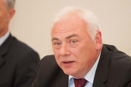 Ministras: BPC vadovai turėtų trauktis iš postų