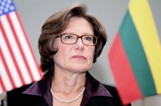 Ambasador USA radzi zwiększyć wydatki na obronę kraju