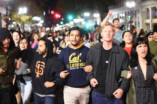 В США прошли акции протеста недовольных победой Трампа