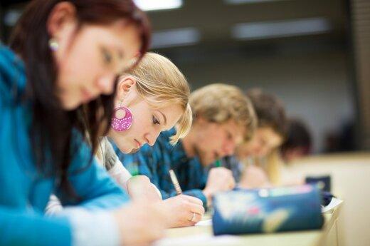 D. Grybauskaitė tarsis dėl gerai besimokančio studento kriterijų