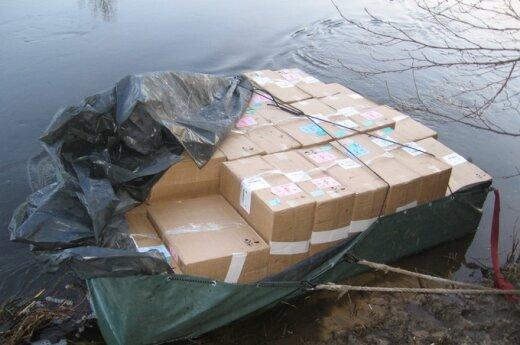 По Неману плыли 40 ящиков с сигаретами