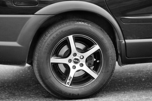 Легковые автомобили стали дефицитом