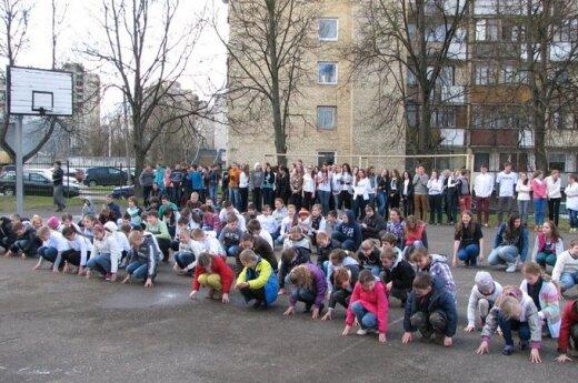 Flash mob w Szkole Średniej im. Szymona Konarskiego w Wilnie