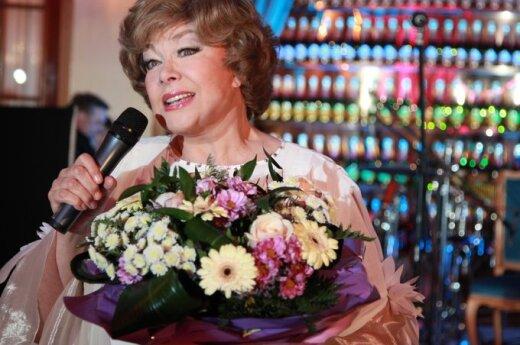 Эдита Пьеха объявила об уходе со сцены