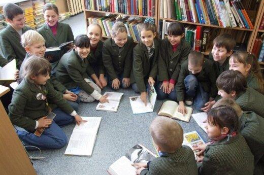 Edukacja dzieci dwujęzycznych: polskie szkoły