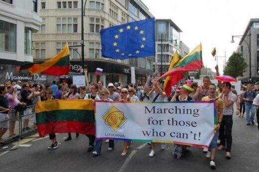 На параде геев в Лондоне развевался литовский флаг