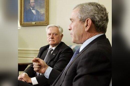 George'as Bushas ir Valdas Adamkus