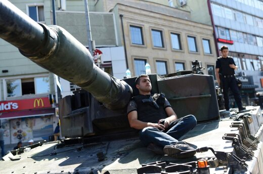 Из турецкой разведки уволены 87 подозреваемых в связях с Гюленом