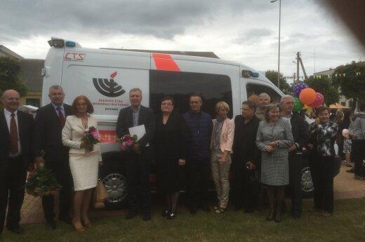 Šeduva Jewish Memorial Fund donates ambulance car