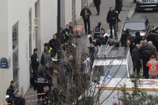 Lithuanian president extends condolences over shooting in Paris