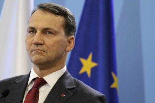 Tusk zaproponował kandydaturę Sikorskiego na stanowisko szefa dyplomacji unijnej