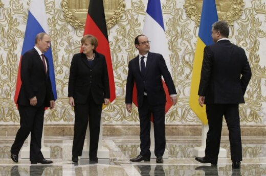 Vladimiras Putinas, Angela Merkel, Francois Hollande'as, Petro Porošenka
