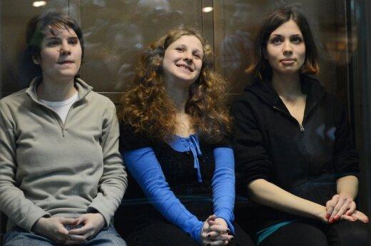 Rosja: Sąd złagodził wyrok jednej z członkiń Pussy Riot