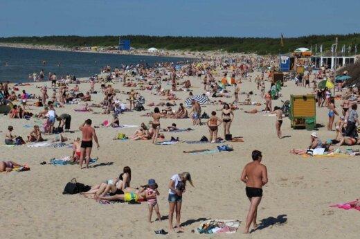 Vasara pajūryje: Palangos paplūdimiai – lyg skruzdėlynas