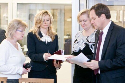 Mokslo ir kultūros atstovai reikalauja mesti iš koalicijos lenkus