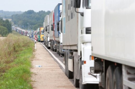 Lithuanian trucks stuck at border amid Russia's food embargo