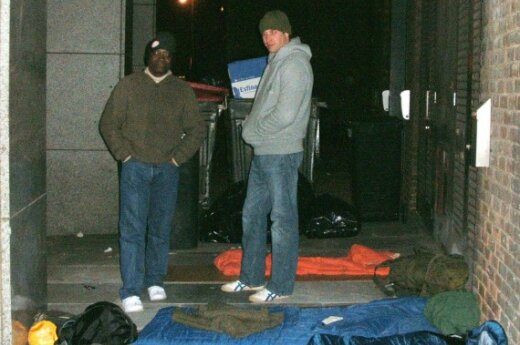 Принц Уильям примерил шкуру бездомного