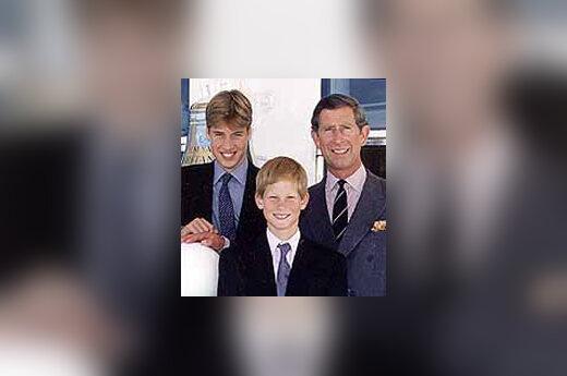 Princas Čarlzas su sūnumis