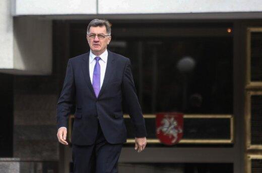 Премьер Литвы: нельзя регулировать цены на горючее