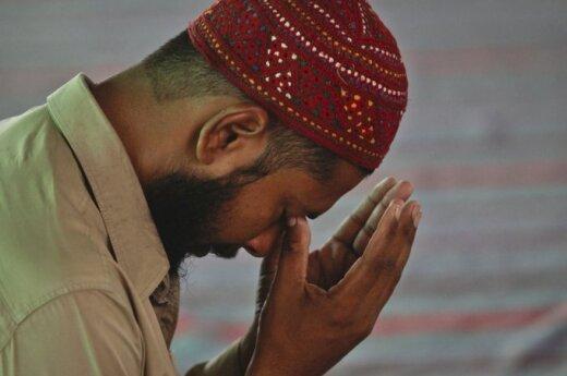 Смертник подорвал мечеть в Пакистане во время пятничной молитвы