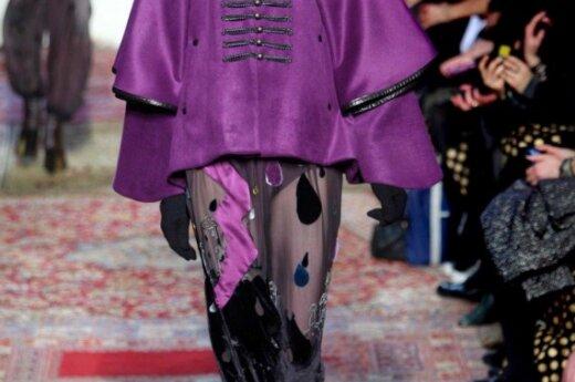Mados tendencijos. 2010-2011 rudens-žiemos kolekcijos. Skraistės. Tsumori Chisato