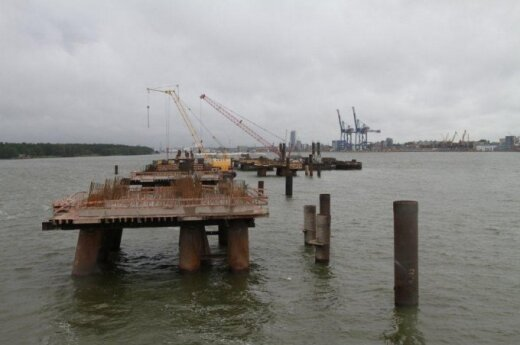 LNG terminal quay