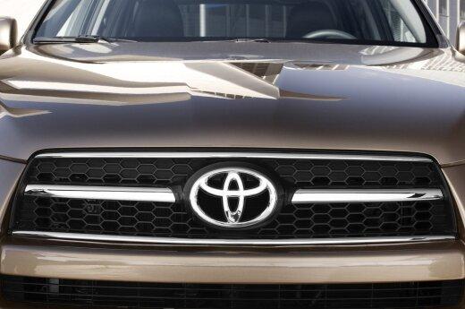 """""""Toyota"""" palaikė iniciatyvą kurti skraidantį automobilį"""