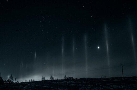 Naktiniame danguje – nuostabą keliantis reiškinys