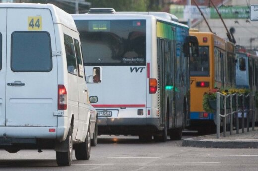 Vilnius public transport drivers threaten with strike