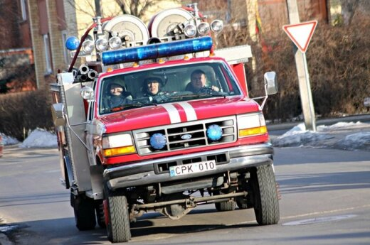 Panevėžyje ugniagesiai gesino malkinę