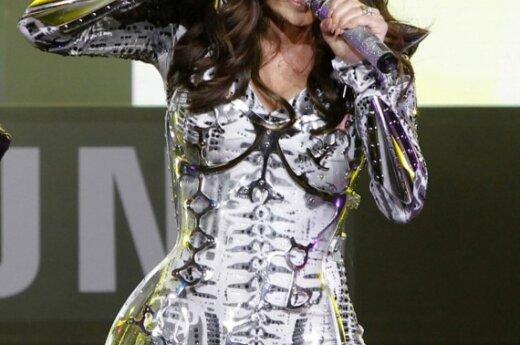Певица Fergie стала скелетом