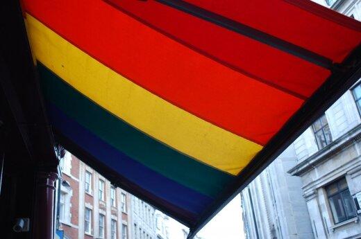 ЛГБТ-активисты задержаны в Петербурге за акцию солидарности с геями в Чечне