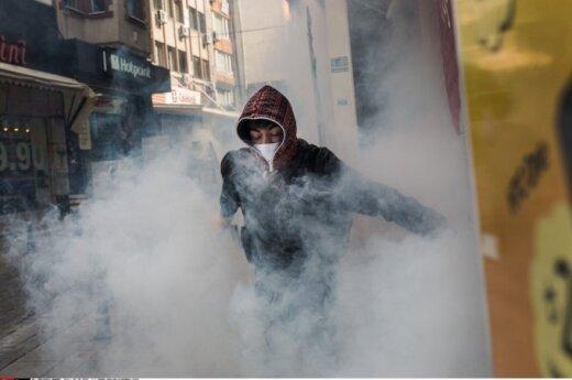 Turkijoje per prokurdiškus protestus prasiveržė mirtį sėjantis smurtas