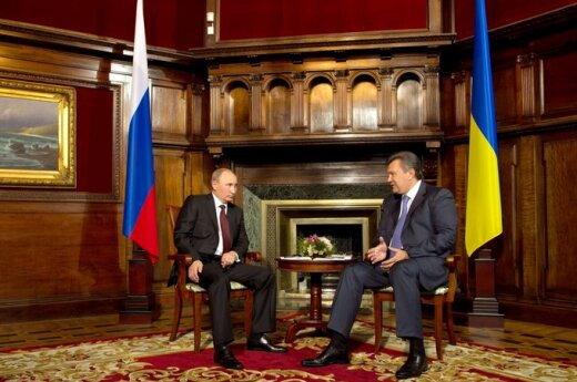 По пути к Януковичу Путин заехал к байкерам