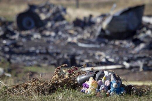 Nyderlandų ekspertai Rytų Ukrainoje dalyvavo lėktuvo aukų daiktų paieškoje