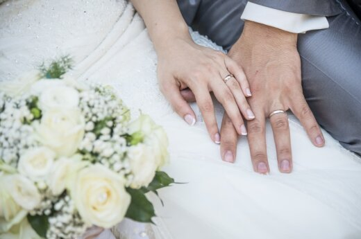 Parliament to consider defining family through marriage and parenthood