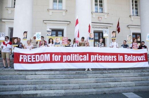 Protesters in Vilnius demand Lukashenko regime to release political prisoners