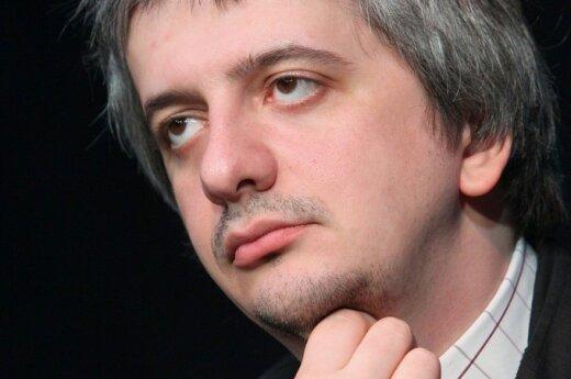 Скандал в МХТ: Богомолов отменил премьеру и подал заявление об уходе